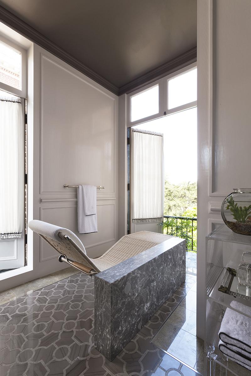 jaimie belew bathroom
