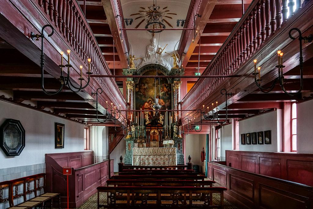 """> Amstelkring ou """"Le bon dieu au grenier"""", église catholique clandestine d'Amsterdam - Photo de Tine van Voorst"""