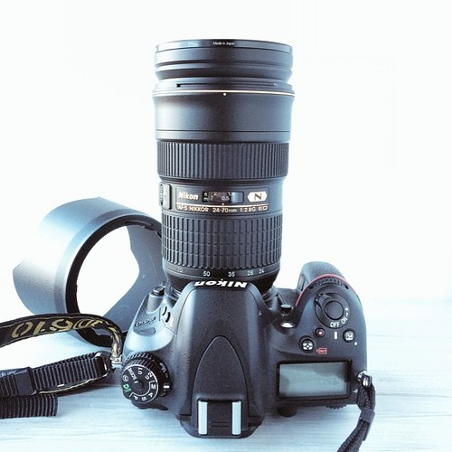 Hello lover. A brand spank'n new #Nikon 24-70 2.8 now lives on my camera. And he is very happy to see you. ??