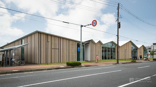 "General view of Civic Koryu Exchange Plaza ""Towaare"" (十和田市市民交流プラザ)"