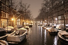 The magical Lijnbaansgracht in the winter