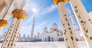 _MG_9092_web - Backlit Sheikh Zayed Mosque scape