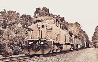 #ns #train 172 with a #ge AC4400 leading a #emd SD70ACE