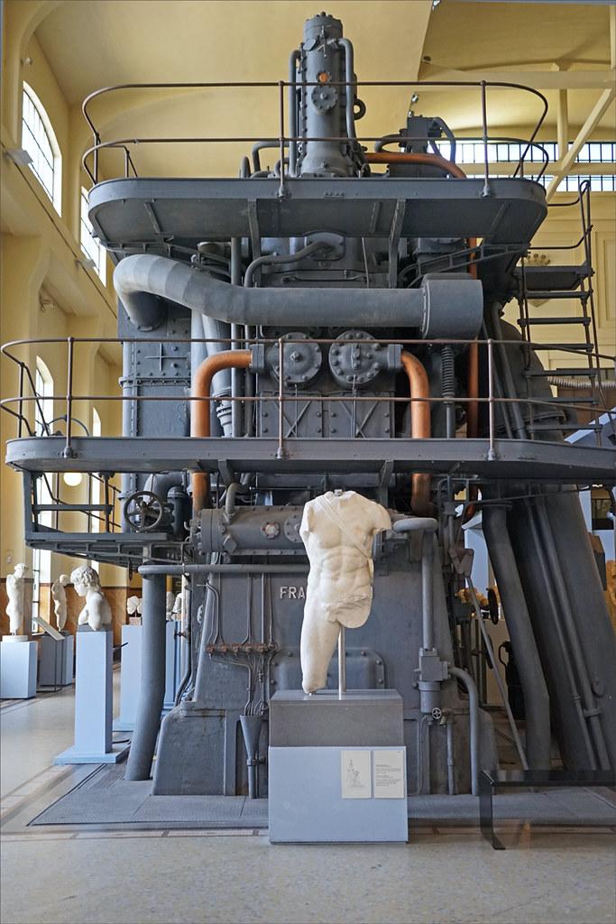 Le centre d'exposition des musées du Capitole dans l'ancienne centrale thermoélectrique Giovanni Montemartini à Rome est un exemple étonnant d'un site industriel transformé en musée. Photo de Jean Pierre Dalbéra.