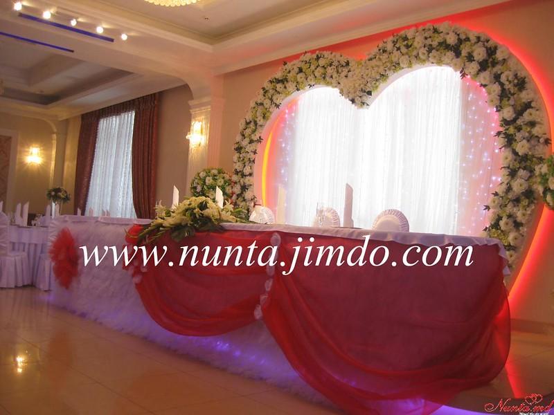 Arta Nunţii > Noi dam culoare sarbatorii tale
