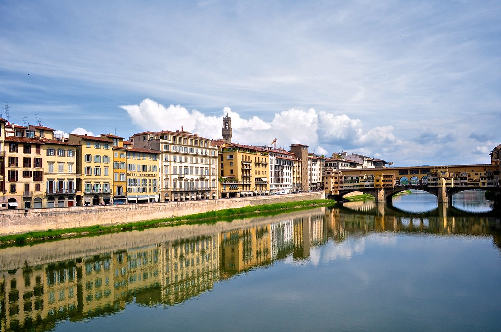 Riflessi sull'Arno (Florence)