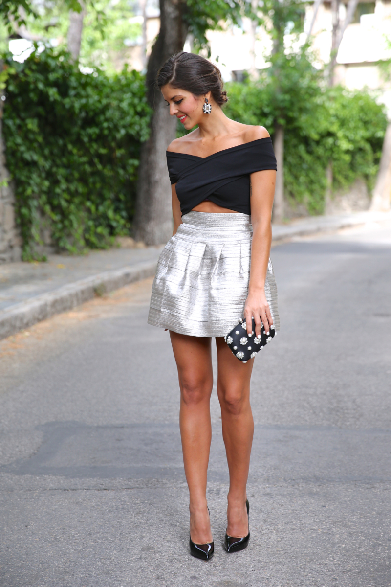 trendy_taste-look-outfit-street_style-blog-blogger-fashion_spain-moda_españa-saint_laurent-charol-crop_top-falda_plateada-silver_skirt-swarovski-wedding-boda-ocasiones_especiales-9