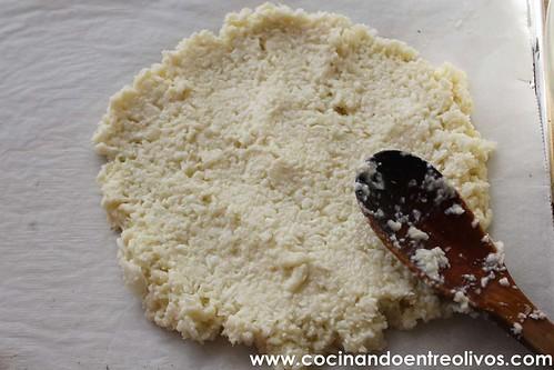 Pizza de coliflor www.cocinandoentreolivos (10)