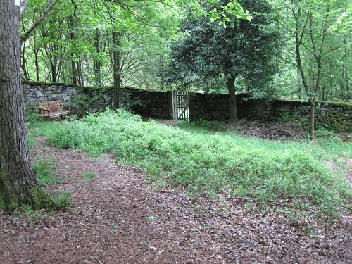 Quaker Burial Ground, Lowna