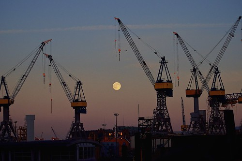 sunset moon mond sonnenuntergang hamburg hafen vollmond autofocus 100er hiwosomoshots simplysuperb d5100