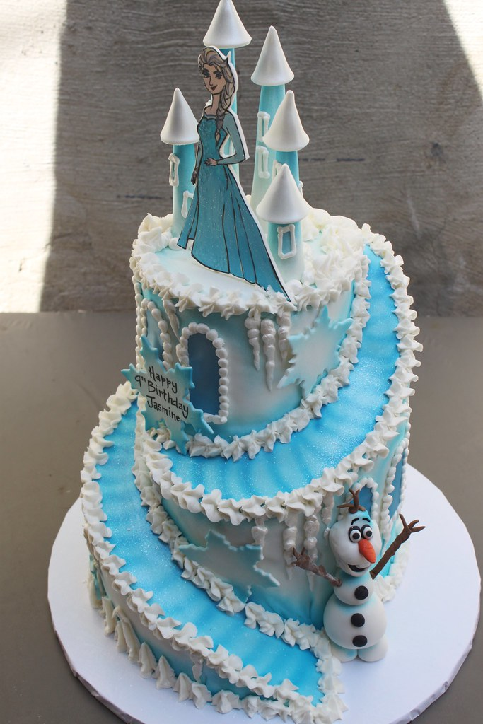 Go Back gt Gallery For Frozen Castle Birthday Cakes
