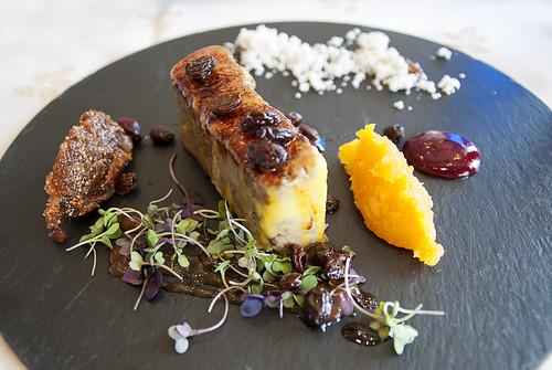 Foie marinado caramelizado acompañado de mermeladas caseras