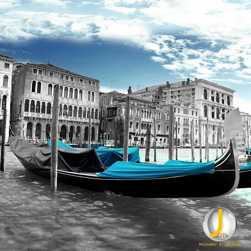 Venecia.  #photography #selectivecoloring #colorsplash #splashphoto  Vía https://xeeme.com/JoseAntonioAntolin