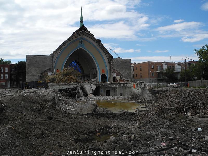 Eglise Notre-Dame-de-la-Paix demolition 4/07/14 - 01