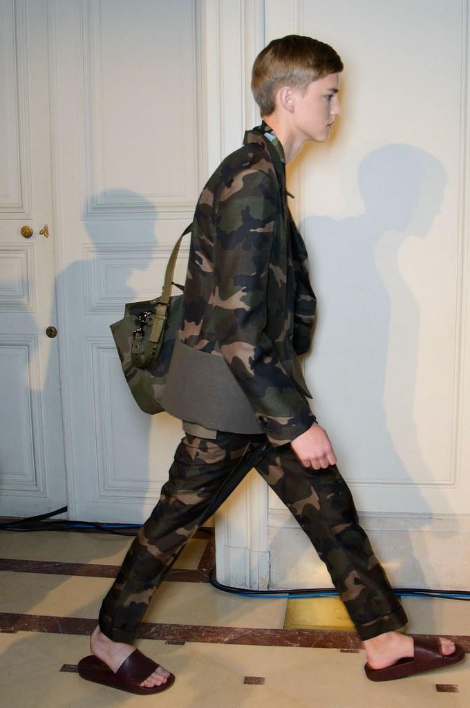 SS15 Paris Valentino500_Valerio Schmidt(fashionising.com)