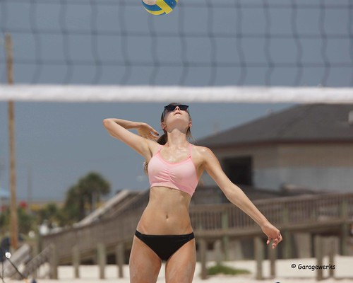 woman beach girl sport female court sand all child gulf sony sigma tournament volleyball shores f28 70200mm views50 views100 views200 views300 views250 views150 slta77v