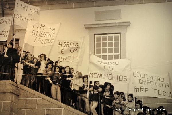3 - 25 апреля 1974 года - революция гвоздик в Португалии - Каштелу Бранку