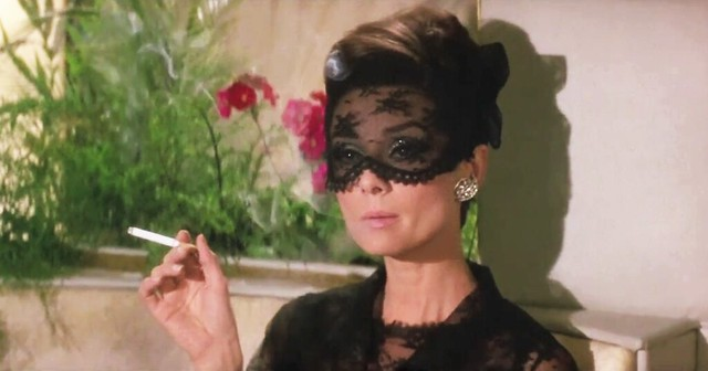 how.to.steal.million.audrey.black.lace
