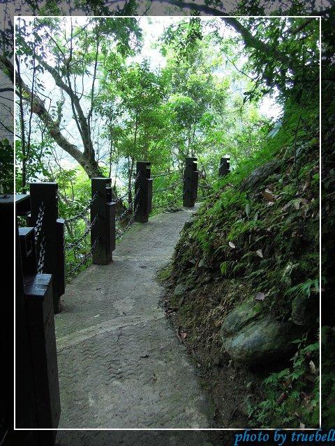 長春祠上方的步道,通往鐘樓及禪光寺