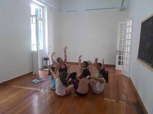 «Εργαστήρι χορού με βήματα γύρω από ένα βιβλίο»- Κατερίνα Κασιούμη