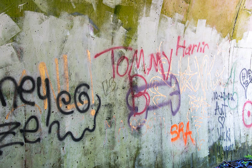 graffiti nationalpark northcarolina tunnel greatsmokymountains lakeviewdrive roadtonowhere nikond800