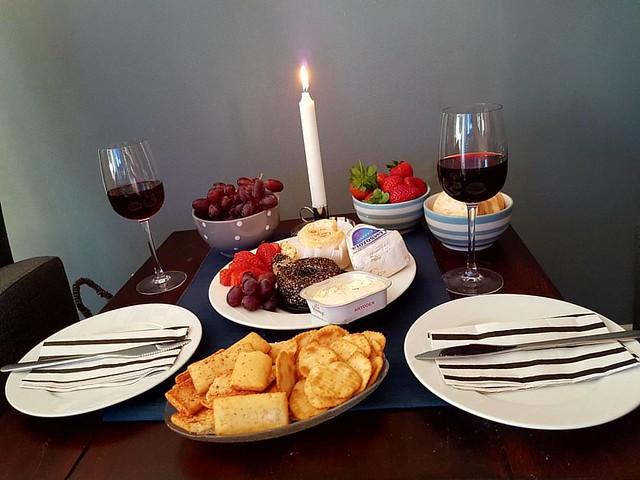 Cheese and Wine with @hagenberg  #ainaplussjohn 💏 #kjæreste #love 💕