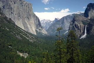 Found Photo - US CA Yosemite National Park -  El Capitan, Half Dome, and Bridalveil Fall