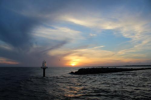 fisherbray usa unitedstates florida okaloosacounty destin southernstar cruise dolphin canon eosrebel eosrebelt6 eastpass water wasser sunset jetty sky