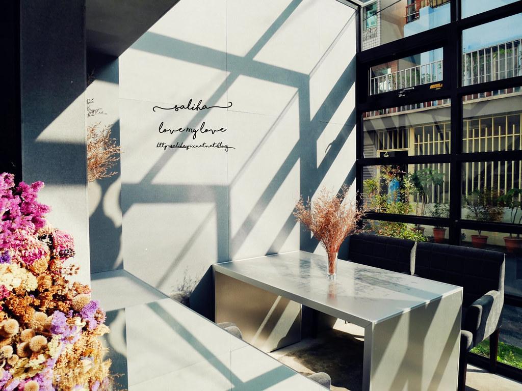 台中精誠二街超美玻璃屋偷偷 Toutou Cuisine下午茶咖啡館推薦 (3)
