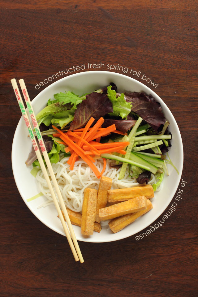 Vietnamese Deconstructed Fresh Spring Roll Bowl - Light lunch with tons of fresh flavour | Je suis alimentageuse | #vegan #vietnamese #noodle