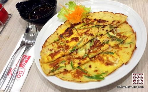 Haemul Pa Jeon mixed seafood pancake (P180)