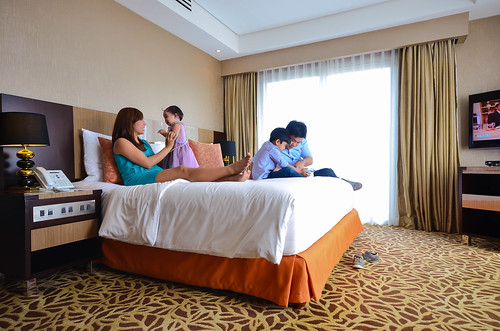 Take a breather this Easter Sunday with a relaxing overnight stay at Acacia Hotel Manila