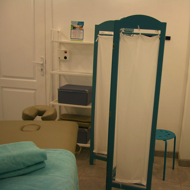 Couleur lavande espace massages flickr photo sharing for Chambre d hote avignon