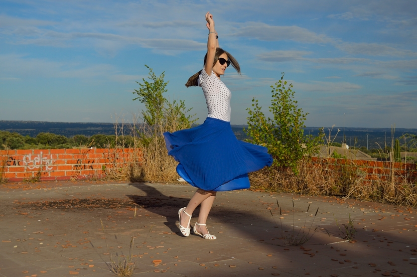 lara-vazquez-madlula-blog-fashion-skirt-midi-blue-dances
