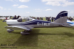 G-TWLV VAN'S RV-12 LAA 363-14931 PRIVATE - Sywell - 20130601 - Alan Gray - IMG_6486