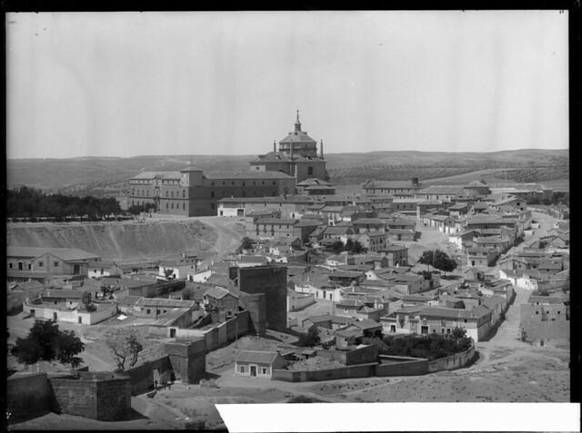 Hospital Tavera a comienzos del siglo XX. Fotografía de J. Lacoste © MECD, Fototeca del IPCE, signatura VN-22681_P