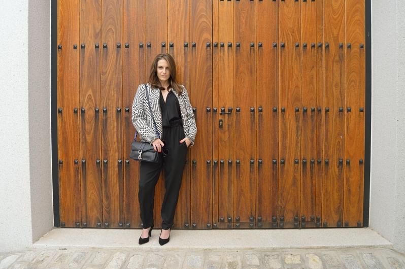 lara-vazquez-madlula-blog-style-black-jumpsuit-spring-trends