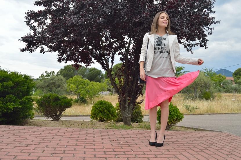lara-vazquez-madlula-blog-let-it-flow-midi-spring-pink-skirt-style