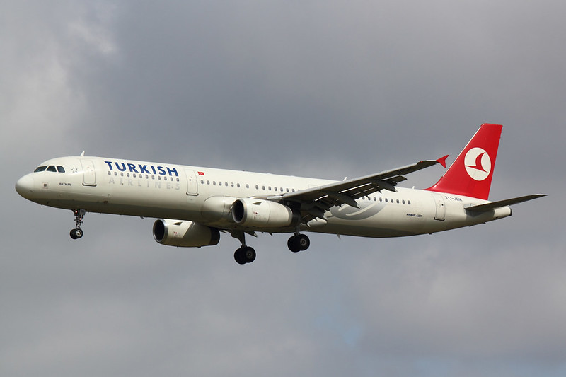 Turkish Airlines - A321 - TC-JRK (2)