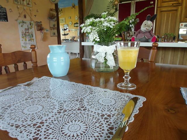 早餐準備上桌囉,先送上西瓜蘋果汁@宜蘭心森林民宿1N