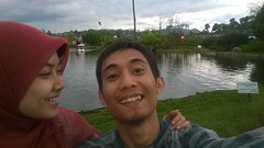 Azmi Fatharani Atsarak & Muhammad Yusuf di Floating Market Lembang