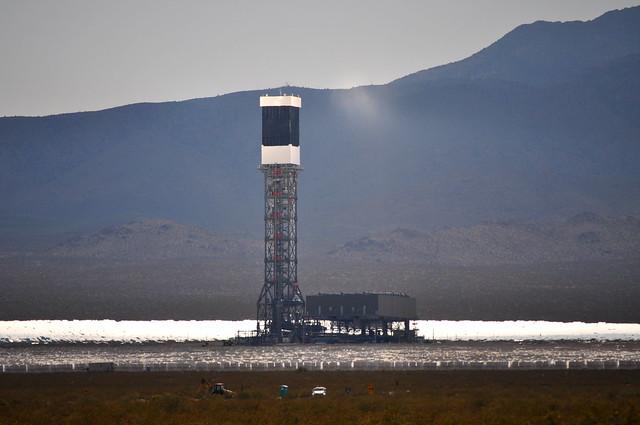 Ivanpah Heliostat solar array | en.wikipedia.org/wiki ...