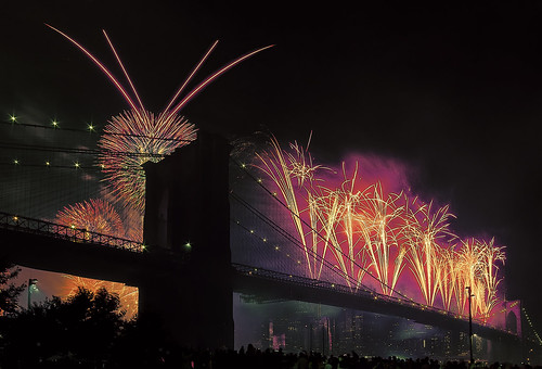 Brooklyn Bridge Fireworks Spectacular