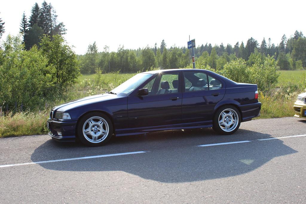 Kuvia käyttäjien autoista 14649834201_181dbf7653_b