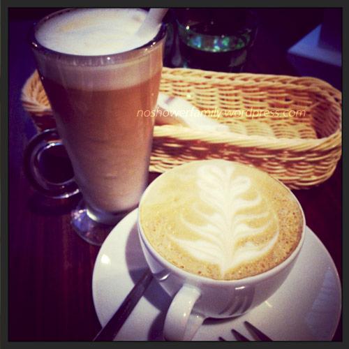 ice latte, hot latte