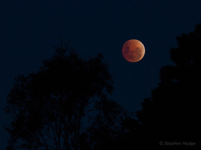 Total lunar eclipse, 15th April 2014