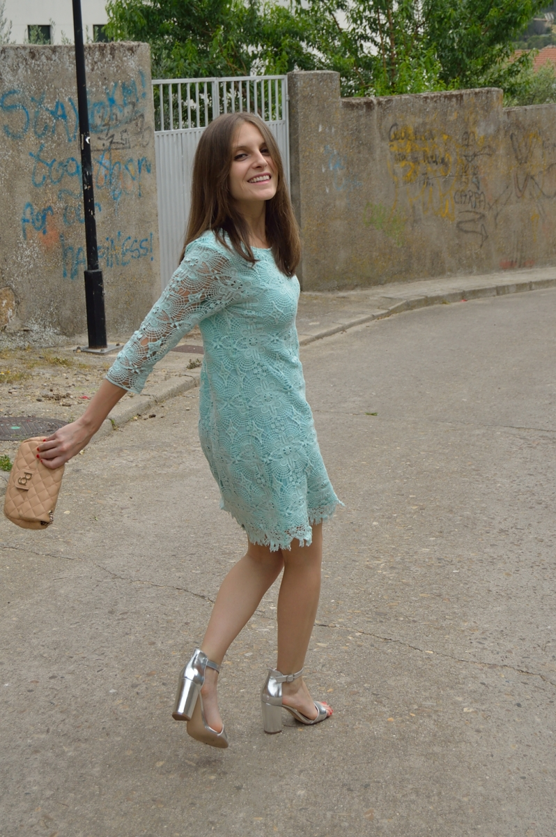 lara-vazquez-madlula-blog-style-chic-dress-lace-mint