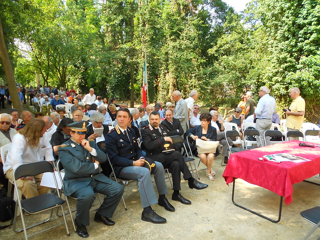 in attesa di Riccardo Nencini, casa Matteotti, Fratta Polesine, 8 giugno 2014