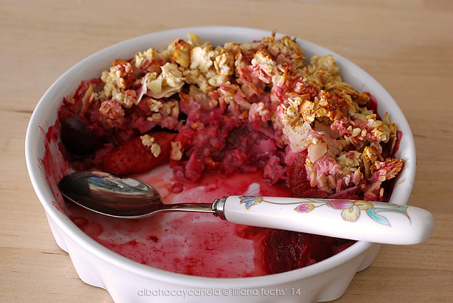 Strawberry crumble with stevia