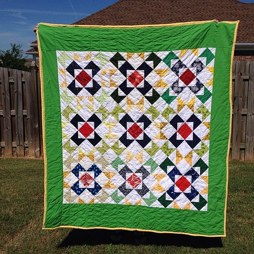 #humilitycircle #dogoodstitches finished quilt